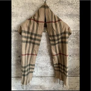 Burberry Scarf 100% Cashmere Made in Scotland